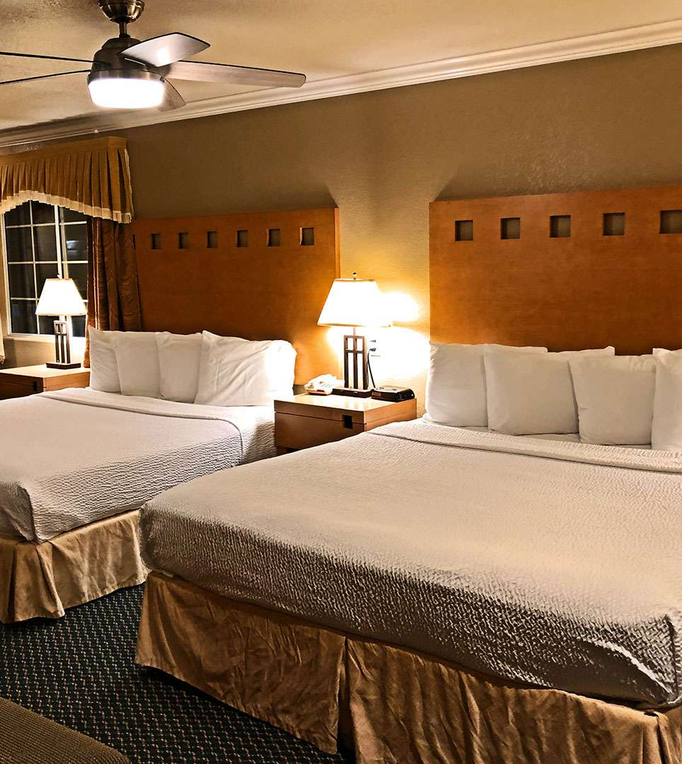 LAKE POINT LODGE OFFERS COMFORTABLE AND SPACIOUS GUESTROOMS FOR EVERY BUDGET
