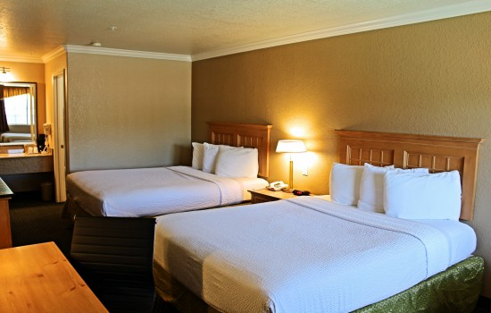 2 Queen Bedroom - Bed View