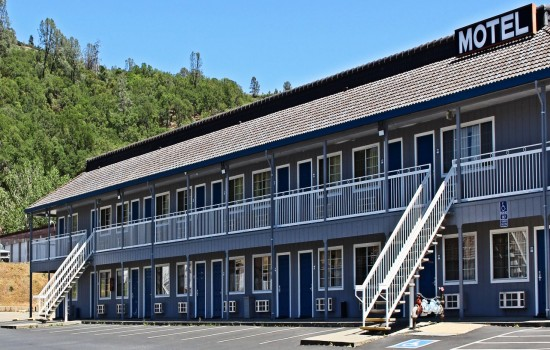 Lake Point Lodge - Exterior - facing Restaurant 2