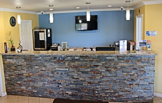 Lake Point Lodge - Office - Front Desk